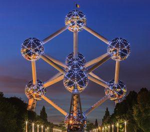 ATOMIUM-IN-BRUSSELS-night-lighting
